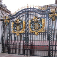 London-2012-Buckingham-Palace-Gate