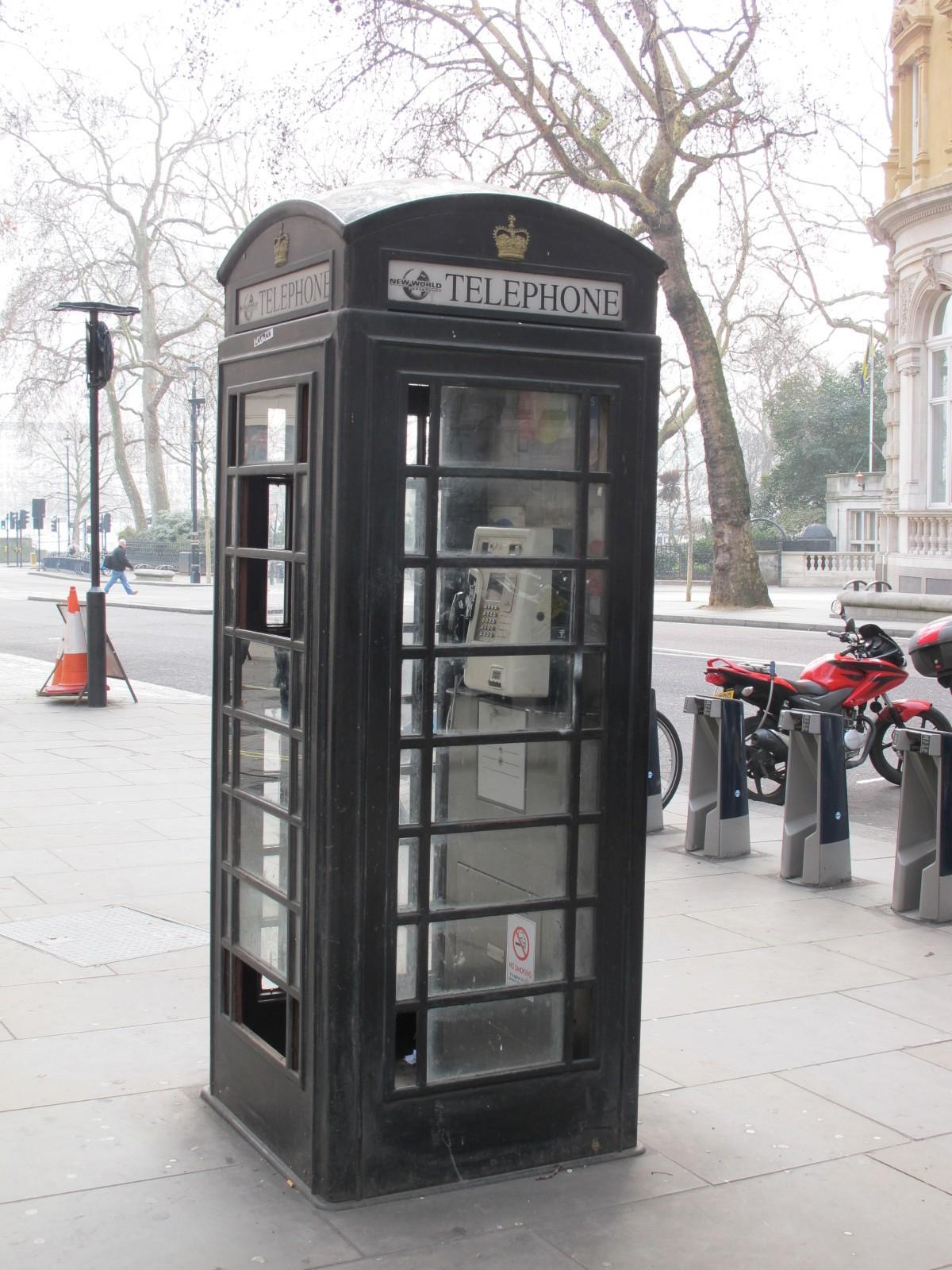 London-2012-Telephone-Booth